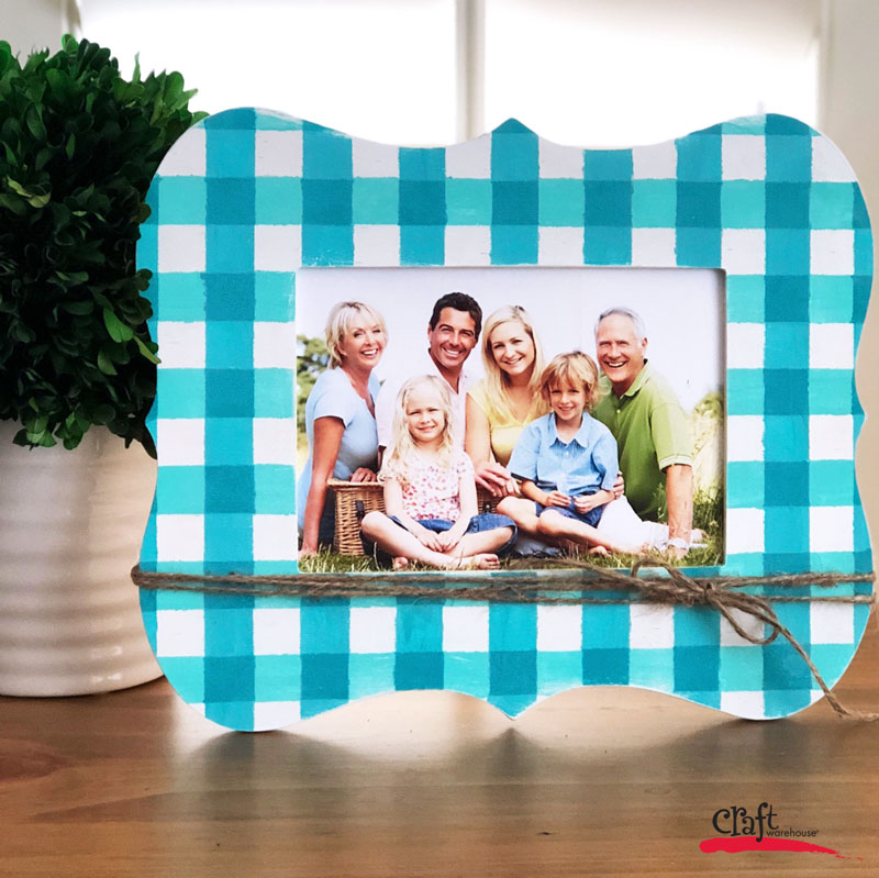 Make this Buffalo Check Frame with Paint - free project sheet on blog