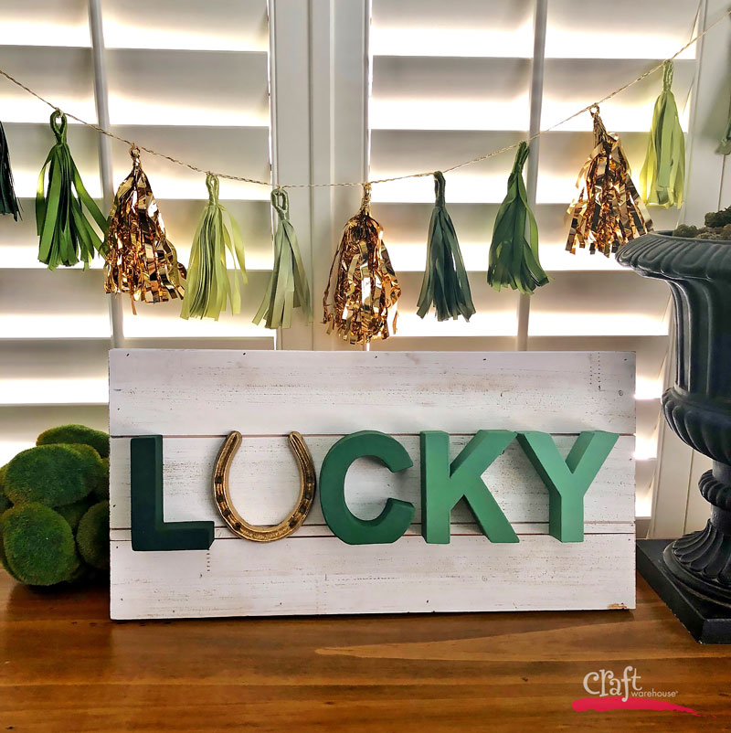 Make this: Lucky Sign Ombre Paint with Horseshoe